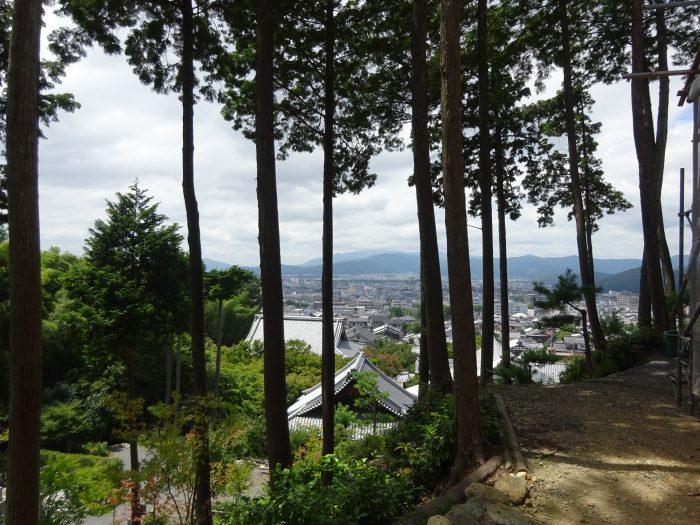 比叡山 麓